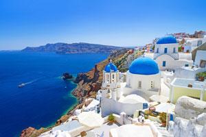 На острове Греции Санторини сохранилась уникальная Греческая архитектура