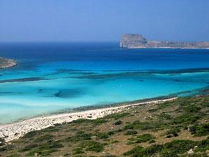 Туристов сюда манит бесконечные и такие разнообразные лучшие пляжи чудо-острова Крит