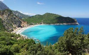 Остров Греции Эбвея (Эвия) прекрасно подойдет желающим отдохнуть в красивом уединенном месте