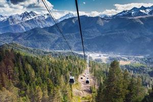Архыз – горнолыжный курорт в Карачаево-Черкессии, который был открыт для посещений в марте 2012 года