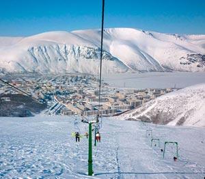 Горнолыжный курорт Кировск в Хибинах — настоящая мечта для любого поклонника горных лыж, который грезит о разнообразии