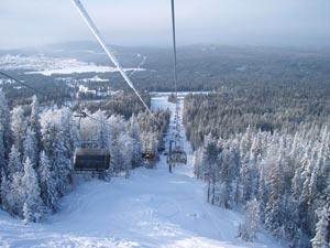 Горнолыжный комплекс Гора Белая рядом с Нижним Тагилом считается одним из старейших мест отдыха для лыжников и сноубордистов