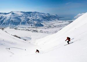 Армянский курорт Цахкадзор невероятно популярен из-за удобства своего расположения и инноваций в области организации горнолыжного отдыха