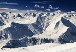 Гудаури – новейший и комфортабельный горнолыжный курорт, расположенный в Грузии, в Казбегском районе