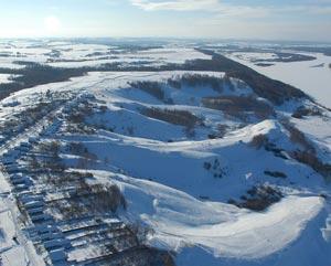 Горнолыжный комплекс Хабарское в Нижегородской области предлагает провести выходные не на диване, а среди заснеженных склонов на берегу Оки