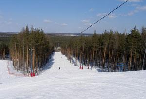 Гора Лиственная — горнолыжный комплекс, располагающийся в Свердловской области