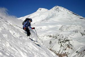 На курорте Приэльбрусье созданы все условия не только для лыжников, но и для сноубордистов