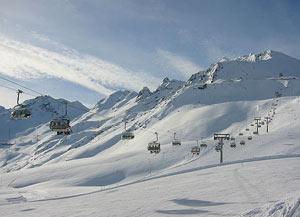 Зельден один из лучших горнолыжных курортов мира, который расположился в долине Отцталь
