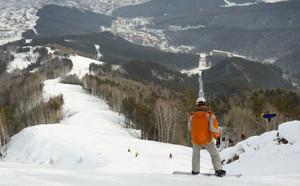 Белакуриха это отличный горнолыжный курорт, куда съезжаются любители горнолыжного спорта со всей Западной Сибири