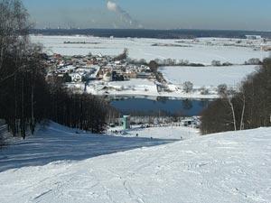 """Горнолыжный курорт """"Чулково"""" — это одна из старейших спортивных баз, расположенных в Подмосковье"""