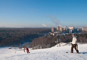 """Горнолыжный курорт """"Лисья гора"""" открыл свои двери для желающих кататься зимой 2007 года"""