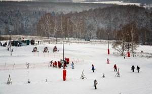 Горнолыжный курорт «Малахово» расположился рядом с одноименным коттеджным поселком, в одиннадцати километрах от города Тула