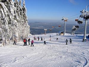 Горнолыжный курорт Шклярска Поремба  располагается практически на границе с Чехией и Германией