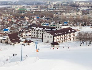 Спортивно-развлекательный комплекс «Вишневая гора» расположен в одном из живописнейших мест Саратова