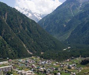 Возле станций подъёмников Приэльбрусья находится сразу 6 посёлков