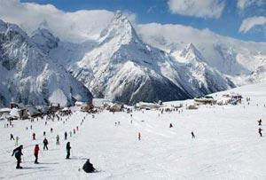 Домбай - прекрасный курорт, расположенный на Кавказе