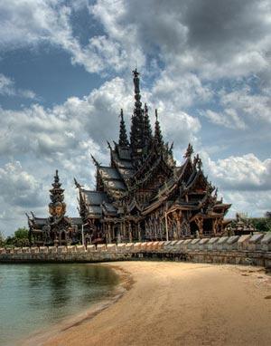 Паттайя – один из основных курортов Таиланда с множеством достопримечательностей
