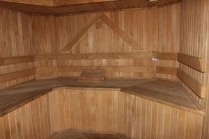 В Суворовских термальных источниках можно заказать сеанс бани или массаа