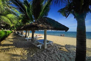 У отеля Thai Hoa Mui Ne Resort собственный пляж