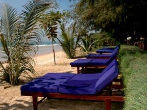 У отеля Vinh Suong Seaside Hotel 3* есть собственный пляж