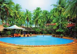 В отеле Vinh Suong Seaside Hotel 3* работает бар у бассейна