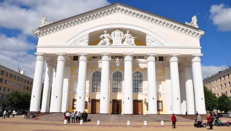 Калужский драматический театр - архитектурная достопримечательность города