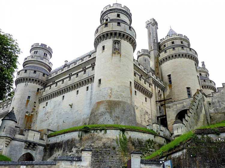 Замки Леона и Кастилии в Испании