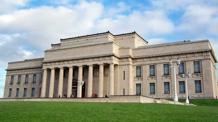 Военно-исторический музей в Окленде (Новая Зеландия)