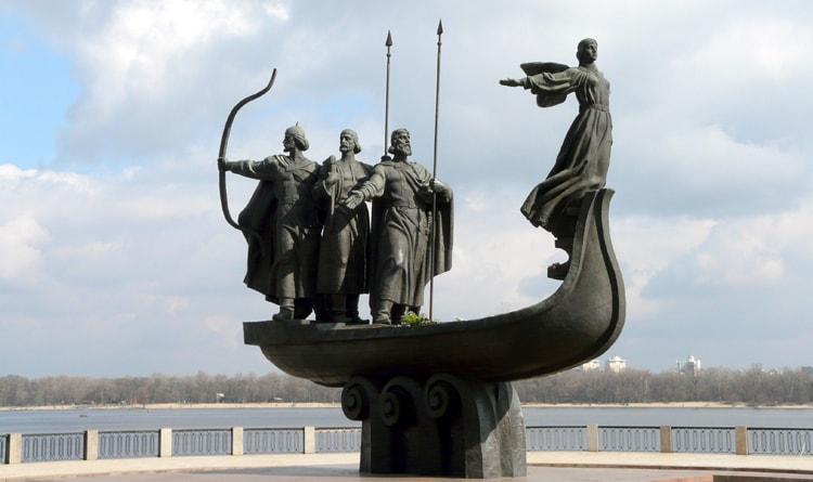 Памятник основателям Киева, достопримечательность которою можно увидеть даже за один день.