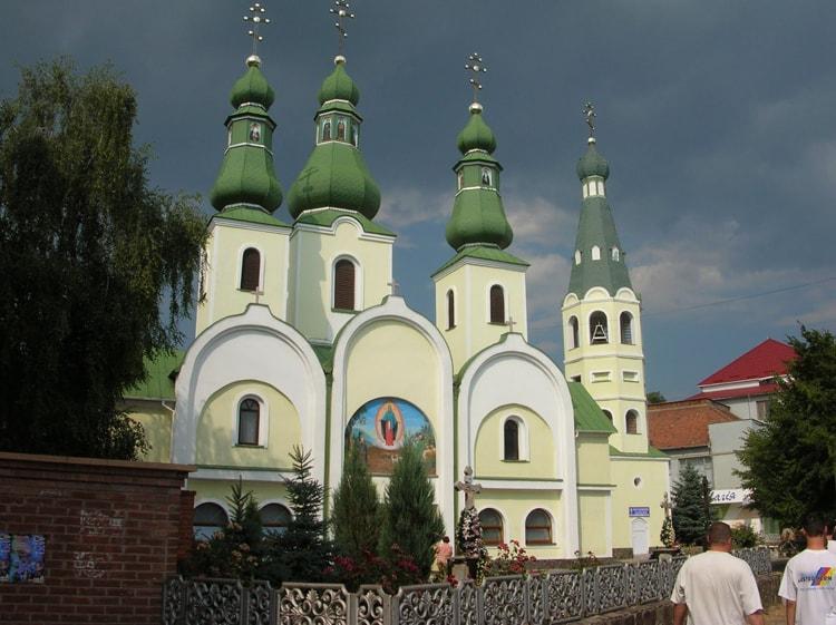 Собор Почаевской иконы Божией матери в Мукачево можно посмотреть за один день.