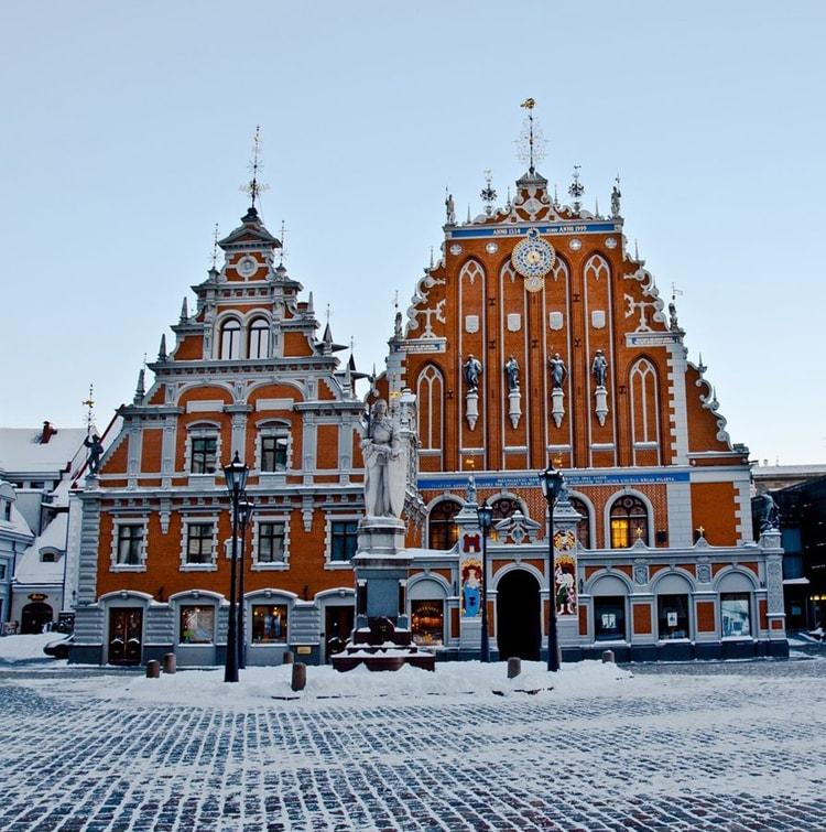 Фасад дома Черноголовых
