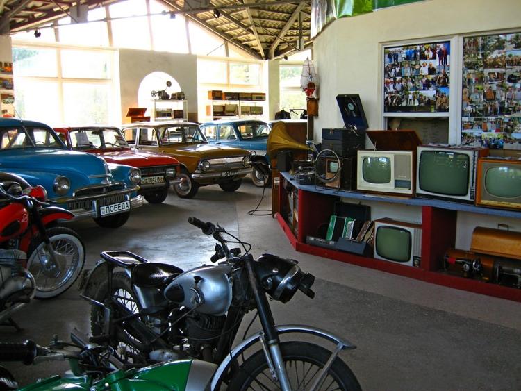 Интересный музей ретроавтомобилей в городе Винница.