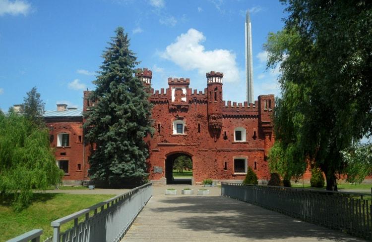 Легендарная Брестская крепость, самая узнаваемая достопримечательность Бреста.