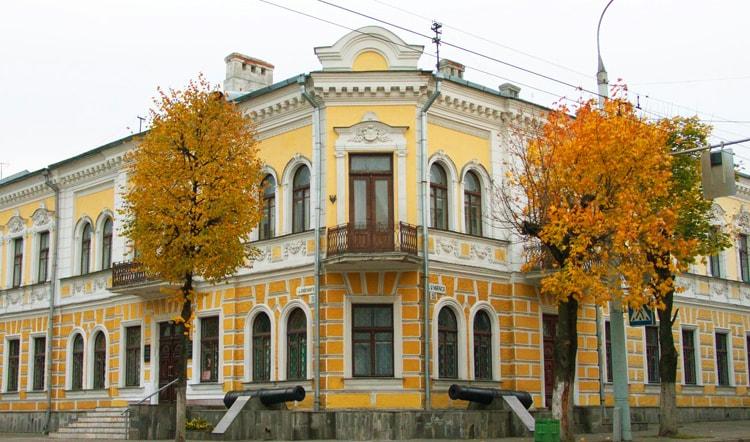 Брестский краеведческий музей, вот куда пойти в Бресте.