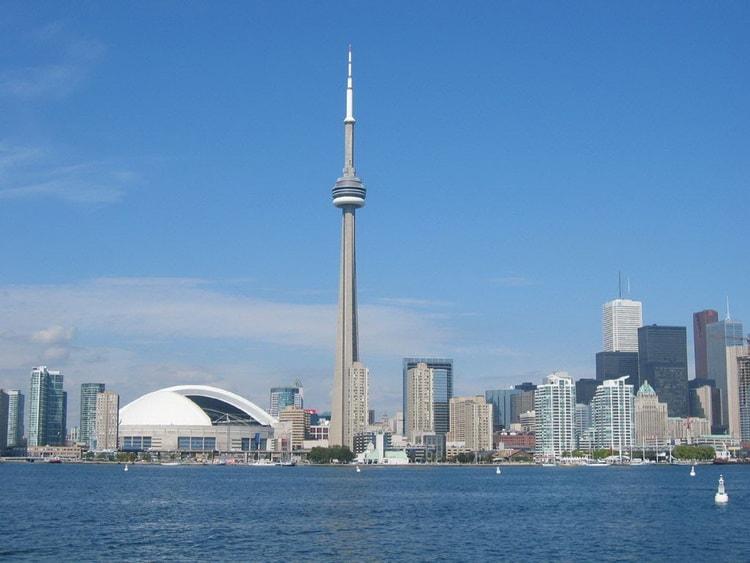 Так выглядит CN Tower в Торонто