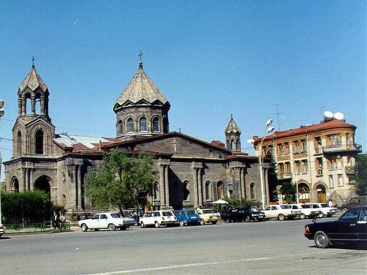 Церковь Сурб Аствацацин - достопримечательность, входит в тройку комплекса церквей известного Татевского монастыря.