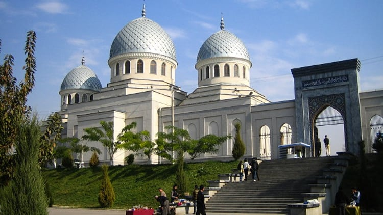 Джума-мечеть Ходжа Ахрар Вали – главная пятничная мечеть и достопримечательность Ташкента.