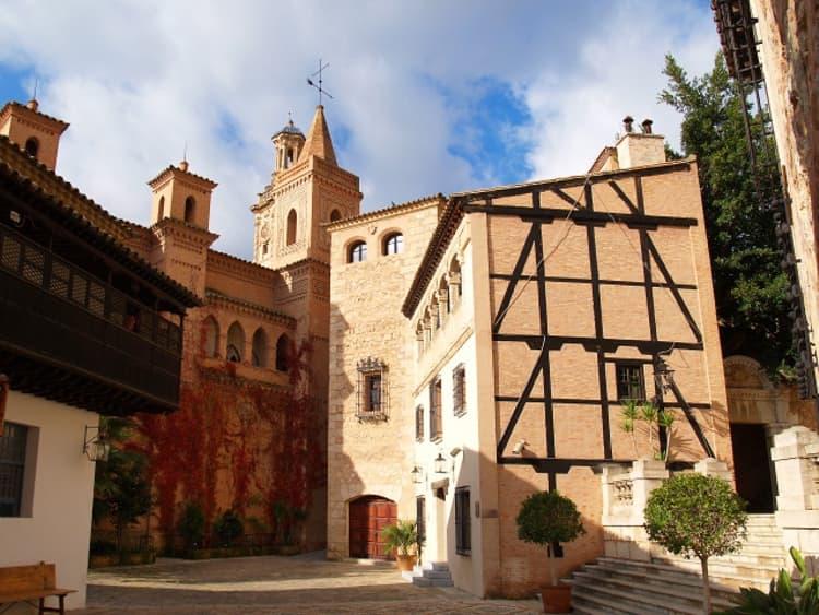 Пальма-де-Майорка имеет один очень необычный музей, да еще и под открытым небом – Испанскую деревню.