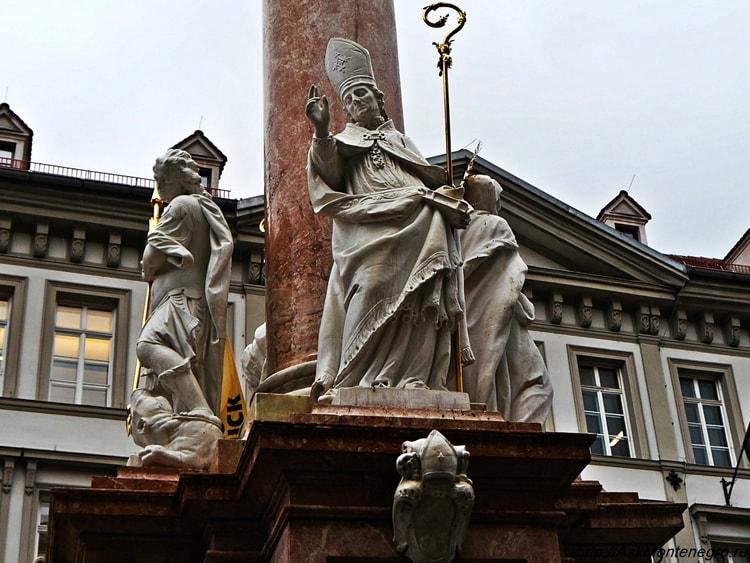 Колонна Святой Анны самая величественная достопримечательность Инсбрука.