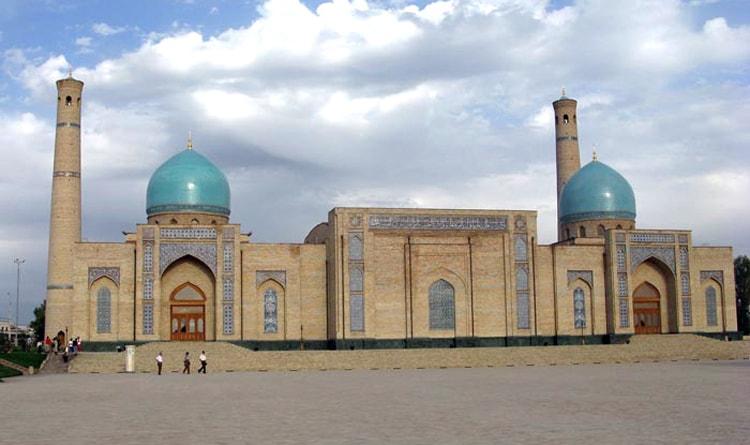 Комплекс Хазрати Имам, то что стоит посмотреть в Узбекистане.