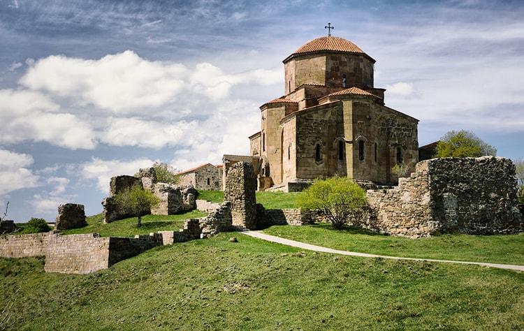 Монастырь Джвари вот что стоит посмотреть в Мцхете.