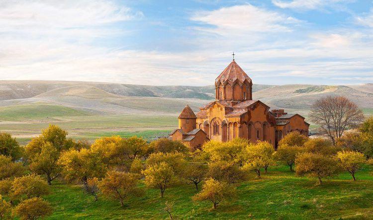 Монастырь Мармашен – это яркий пример архитектуры средневековой Армении и достопримечательность Гюмри.