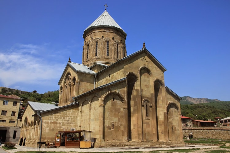Монастырь Самтавро, Мцхета Грузия, одна из главных достопримечательностей.