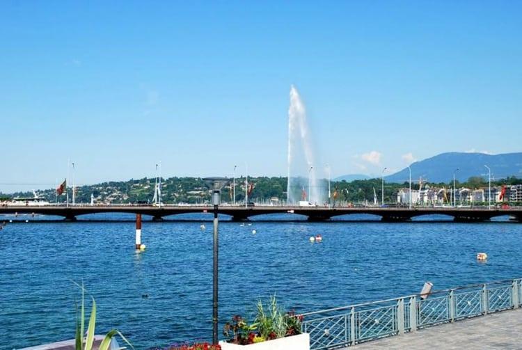 Монблан фонтан Же д'О – главный символов Женевы, один из самых больших фонтанов мира.