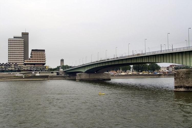 Мост Дойц - достопримечательность, которая находиться в Кельне.