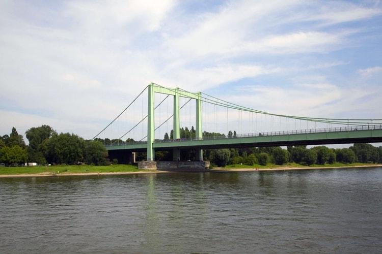 Мост Роденкирхен - достопримечательность в Кельне.