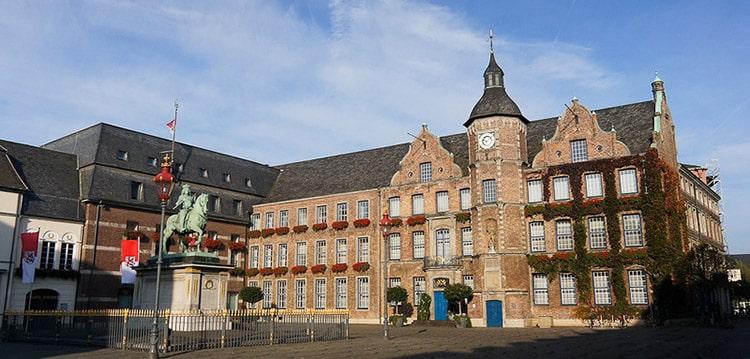 Так выглядит ратуша Дюссельдорфа