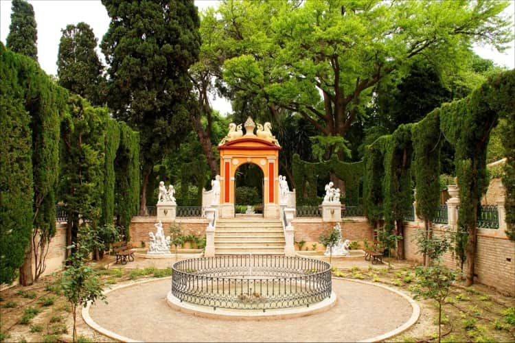 Сад Монтфорте – очаровательный ландшафтный парк с лабиринтом в Валенсии.