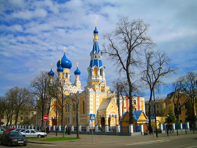 Свято-Николаевская Братская Церковь, место которое просто необходимо посмотреть.