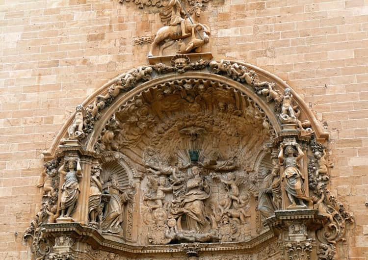 Базилики Святого Франциска - удивительная достопримечательность в Майорке, где есть что посмотреть туристу.